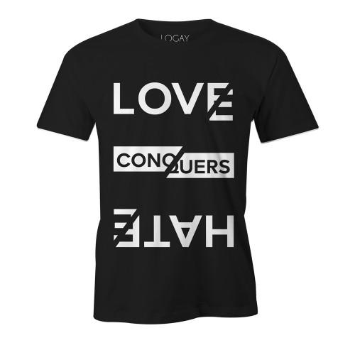 Camiseta LGBT Logay Love Conquers Preta
